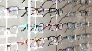 Things To Consider While Buying Rectangular Shaped Glasses