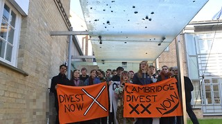 Zero Carbon blockade BP Institute in protest of divestment working group donation links